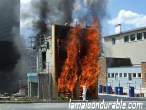 résistance au feu maison bois
